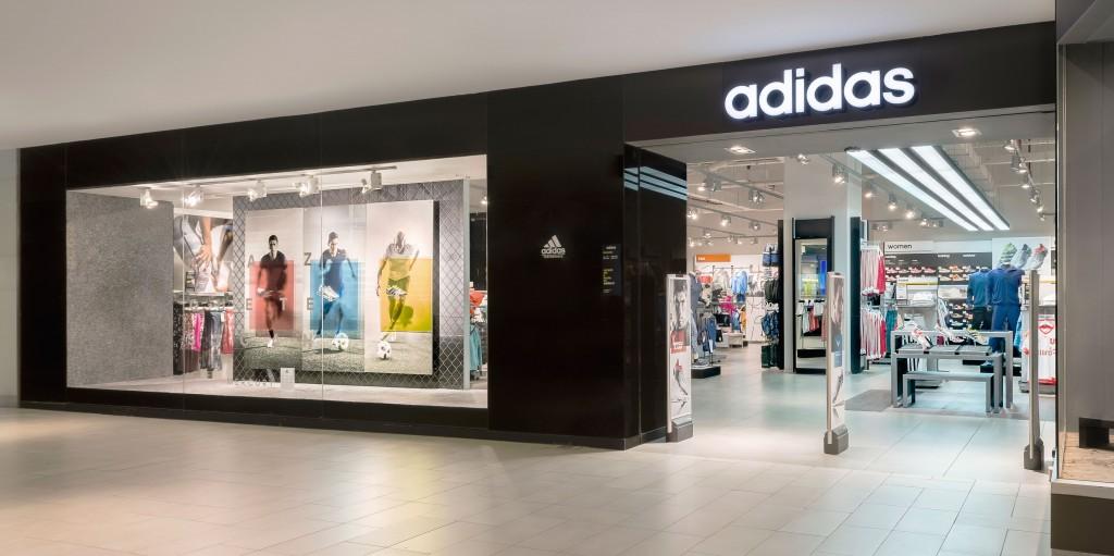 Adidas Plaza Egaña